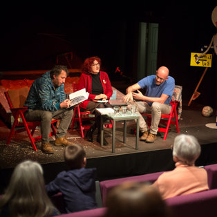 Conversation about performance How Porcupines Ripen <em>Photo: Boštjan Lah</em>